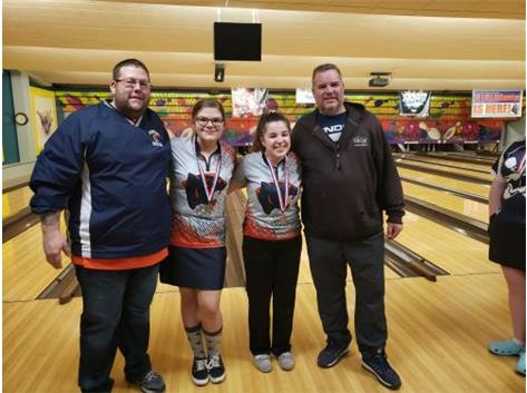 Lani Breedlove, Savanna Jourdan and Their Dads at SPC Conference Tournament 2020