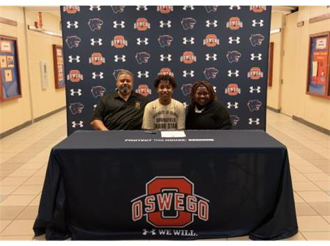 Norman Hernandez signs with University of Illinois at Springfield to continue playing Soccer.