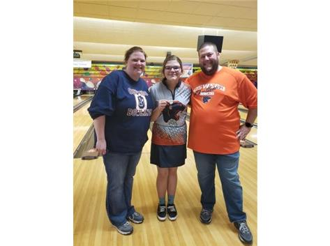 Lani Breedlove with Parents @ 2020 Sectional Tournament