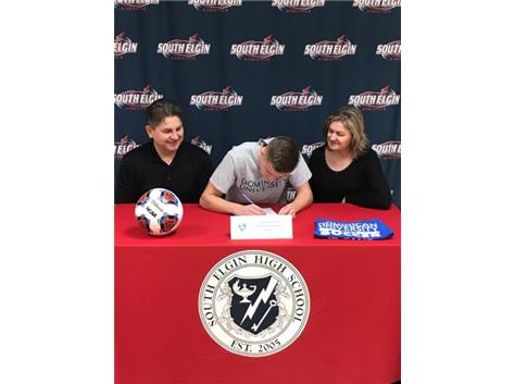 Chris Stanczyk signing with Dominican University
