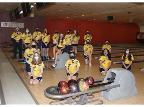 2020-21 Girls Bowling Front Row (L-R): Hannah Conderman, Brendy Gatica, Evelyn Lira, Katelynn Garcia 2nd Row (L-R): Grace Schultz, Olivia Zinanni, Loralei Michels, Olivia Marruffo 3rd Row (L-R): Ragan Guinn, Sky Anselmo, Kailynn Wickham, Mikayla Borton 4th Row (L-R): Head Coach Loren Wolf, Asst Coach Phil Conderman, Asst Coach Tracey Sivits, Kylie Bresley