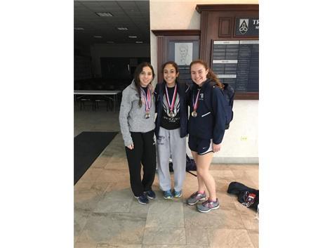 The 3200m/1600m relay crew!  Missing Alexa Mendoza