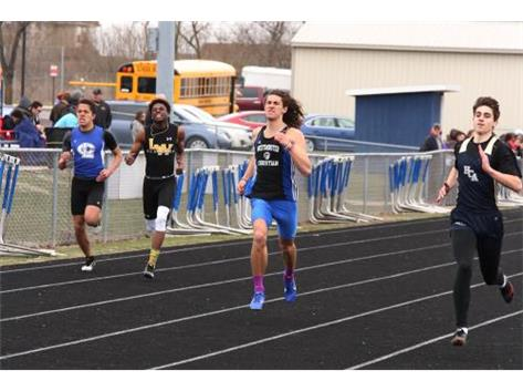 Congratulations to Jason Yaccino who will qualified to run the 800m at the IHSA State semi-finals on Thursday, May 24.