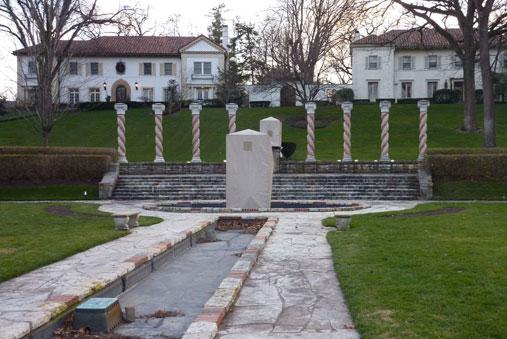 Verona Columns Mission Hills