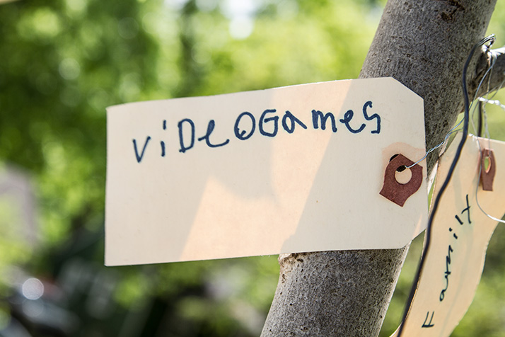 Prairie_Village_Happy_Tree-Tag2