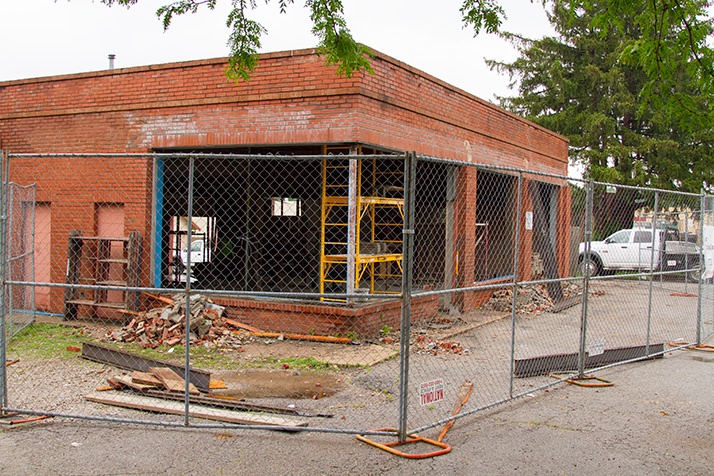 The former filling station and auto repair shop at 47th and Belinder is approved for a new Lulu's restaurant.