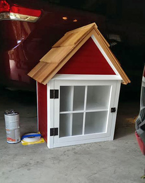 The Little Free Library Fairway resident Erin Margolin had constructed for her home.