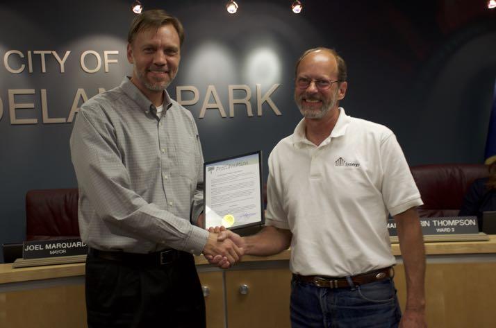 Roeland Park Mayor Joel Marquardt and Jan Duncan.