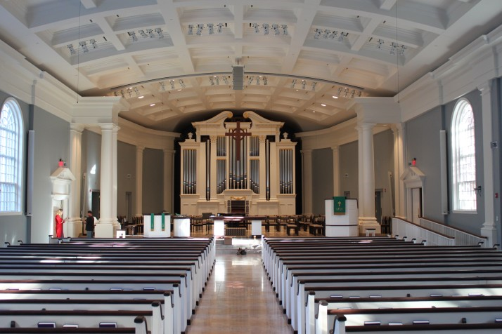 Village presbyterian installing 39 best 39 pipe organ in the for Classic house organ sound