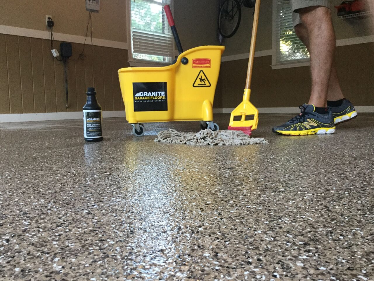 Top 5 ways epoxy can positively impact your home 39 s for How to clean a garage floor without water