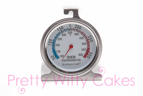 Oven thermometre at Pretty Witty CAkes