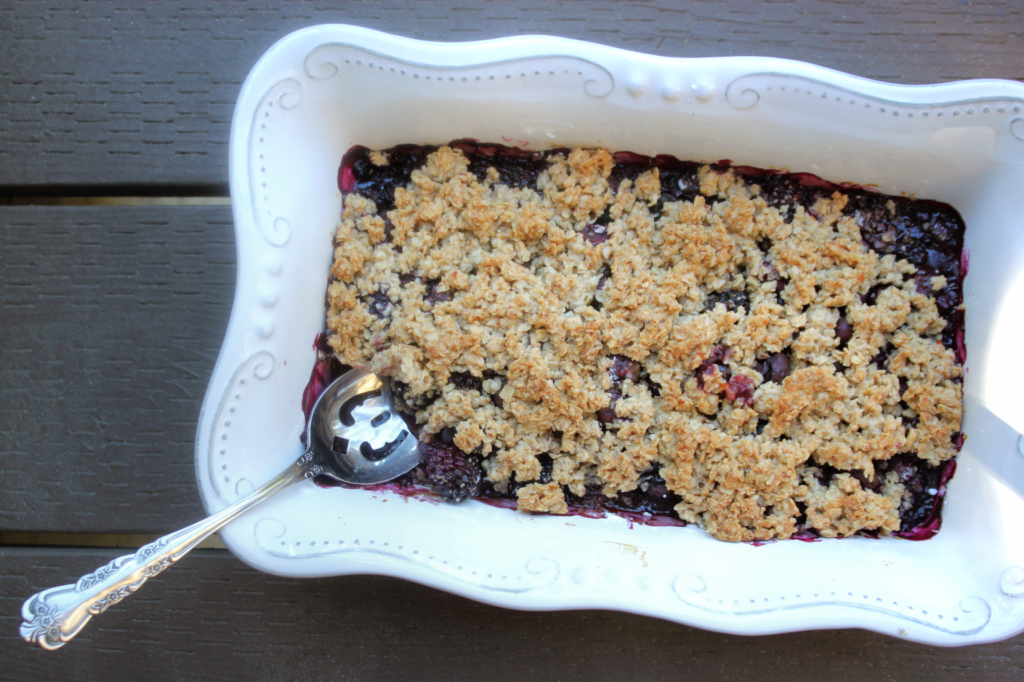 Mixed Berry Crisp by Vegan À La Mode (Vegan, Gluten-Free and Refined Sugar-Free)