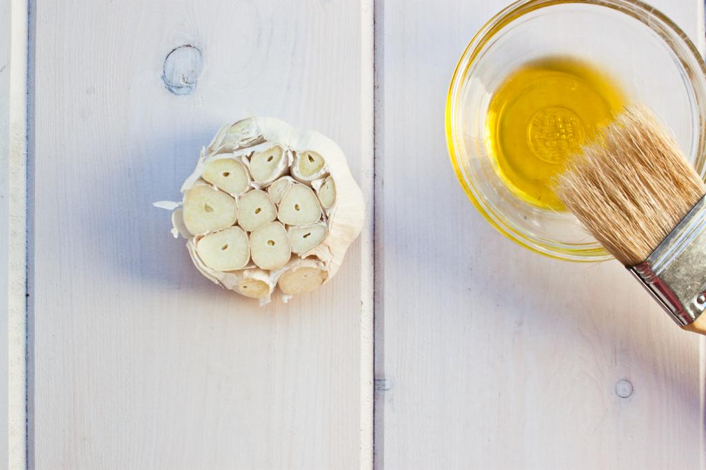 Artichokes with Roasted Garlic Butter by Vegan À La Mode