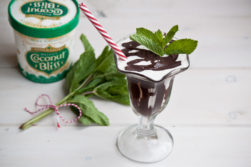 Dairy-Free Mint Chocolate Chip Milkshake by Vegan À La Mode (Vegan and Gluten-Free)