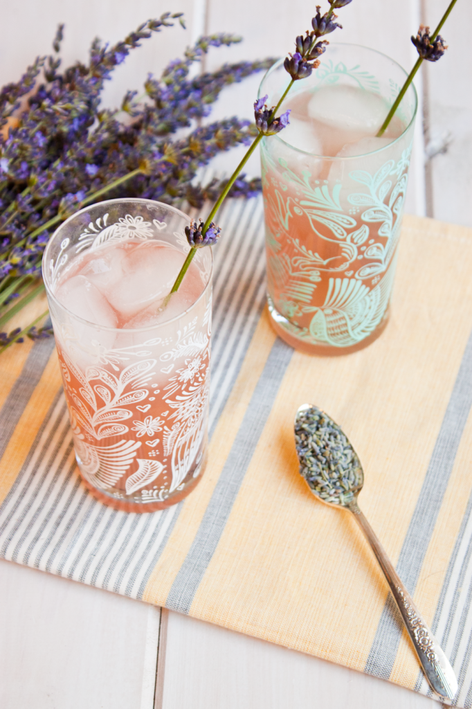 Healthy vegan lavender lemonade recipe