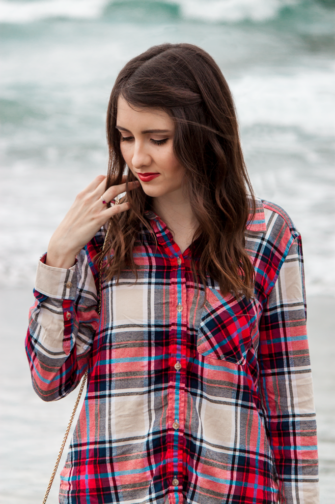 #AEOStyle Plaid flannel shirt and red lips