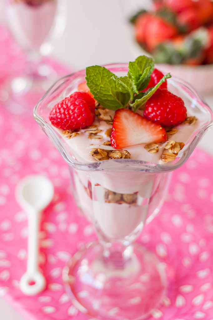 Vegan Strawberry Granola Greek Yogurt Parfait Recipe (Gluten-Free)