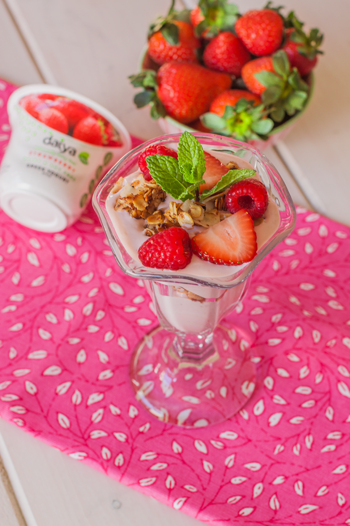 Vegan Strawberry Granola Parfait Recipe (Gluten-Free)