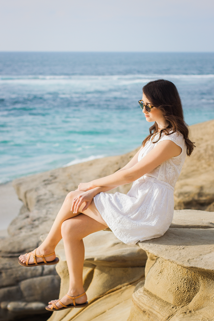 Vintage retro outfit by the sea