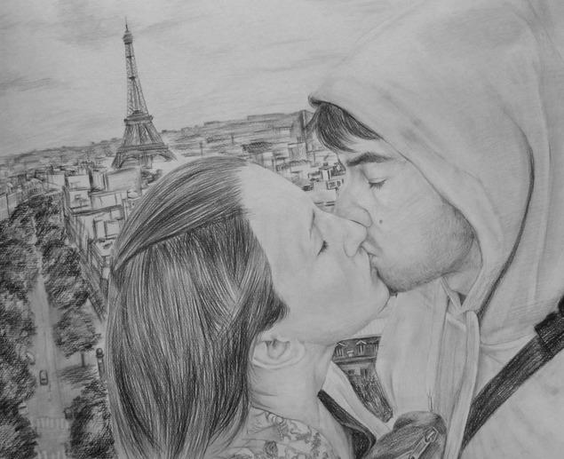 foto di una coppia che si bacia come disegno a carboncino