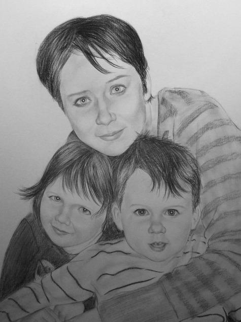 unser Familienfoto in Kohle gemalt