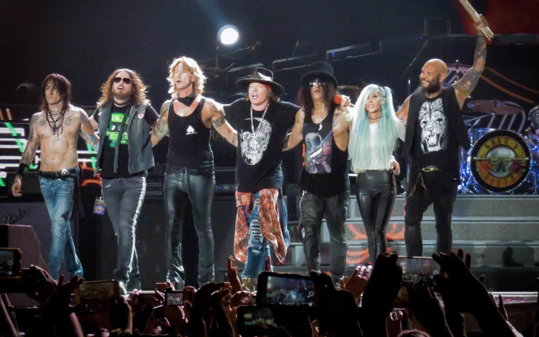 Who wants a new Guns N Roses Album?  The Guns N' Roses Members do!
