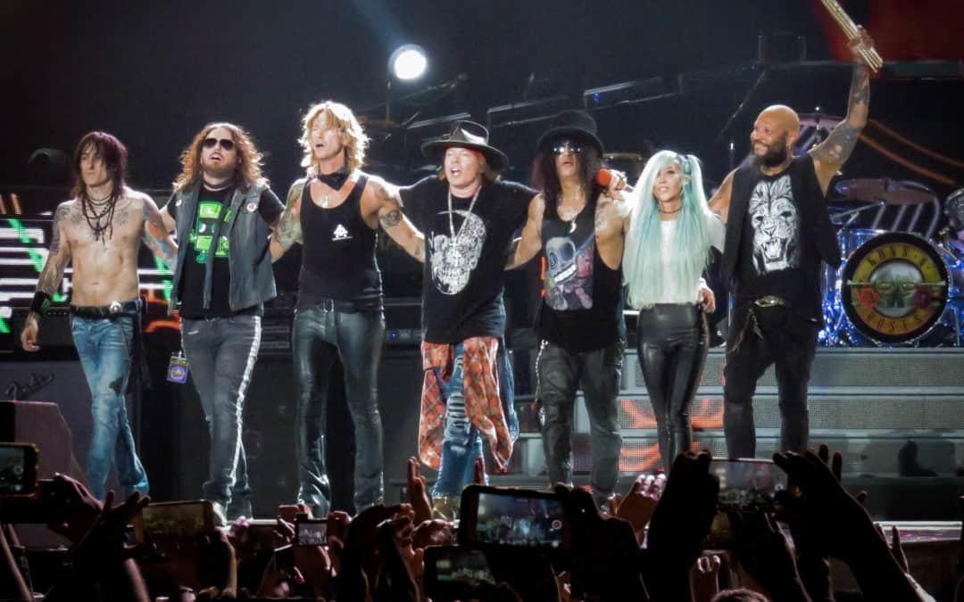 Who wants a new Guns N Roses Album?  The Guns N' Roses Members do!