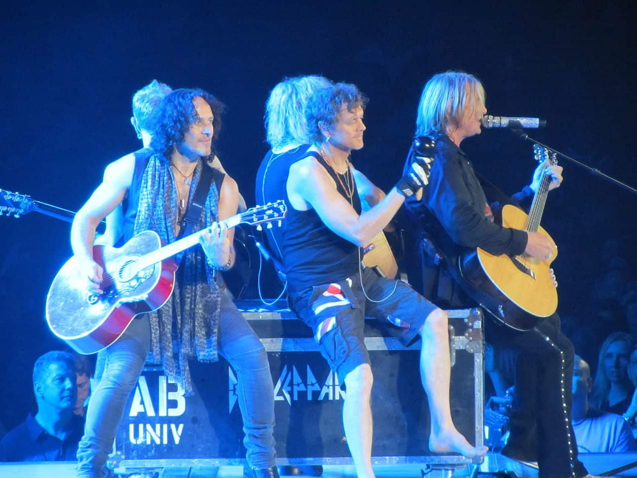 Def Leppard playing an acoustic set at the Allstate Arena in Rosemont, IL.  Photo Credit: Wikimedia | AngryApathy