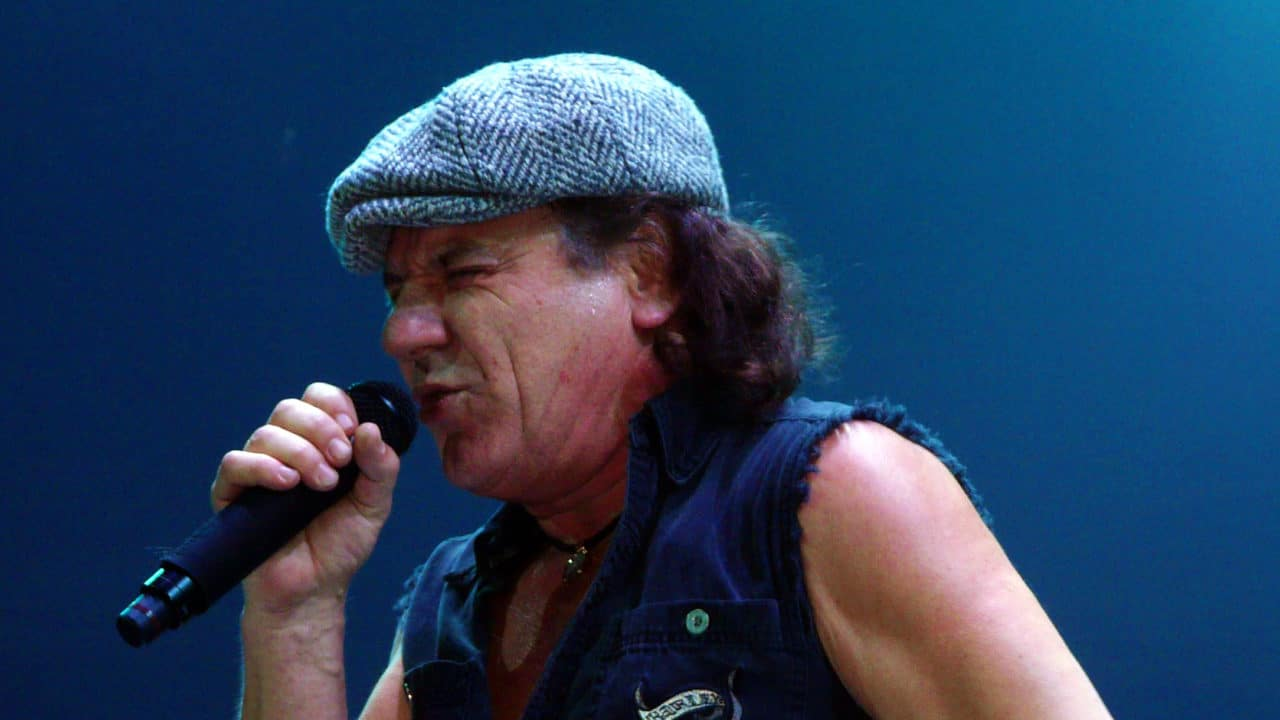 BRIAN JOHNSON Live with AC/DC in St. Paul, MN PHOTO BY MATT BECKER