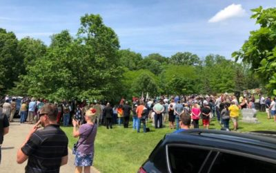 Hundreds of People Showed Up to a Veteran's Funeral Over Memorial Day Weekend