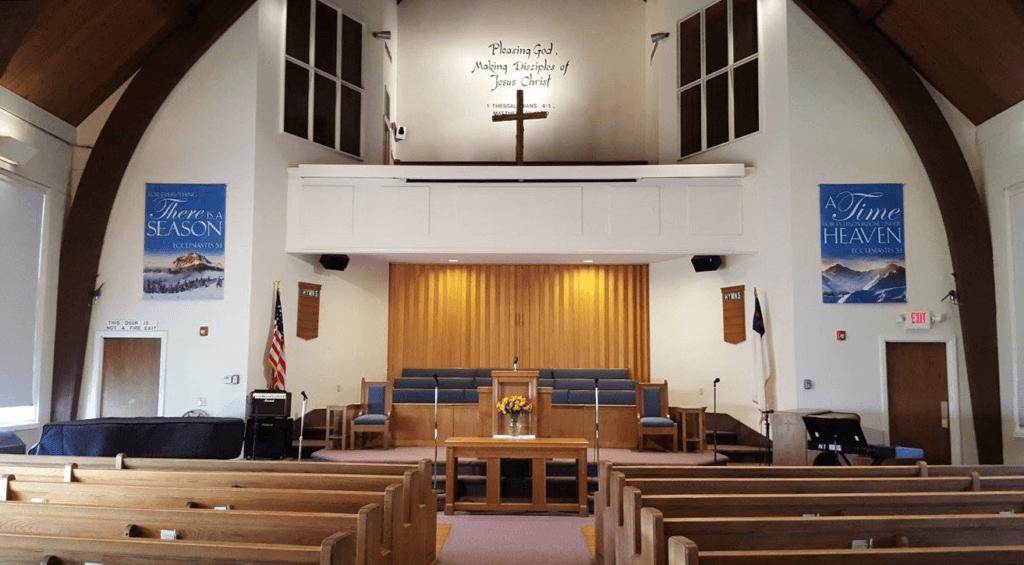 Quidnessett Baptist Church Santuary