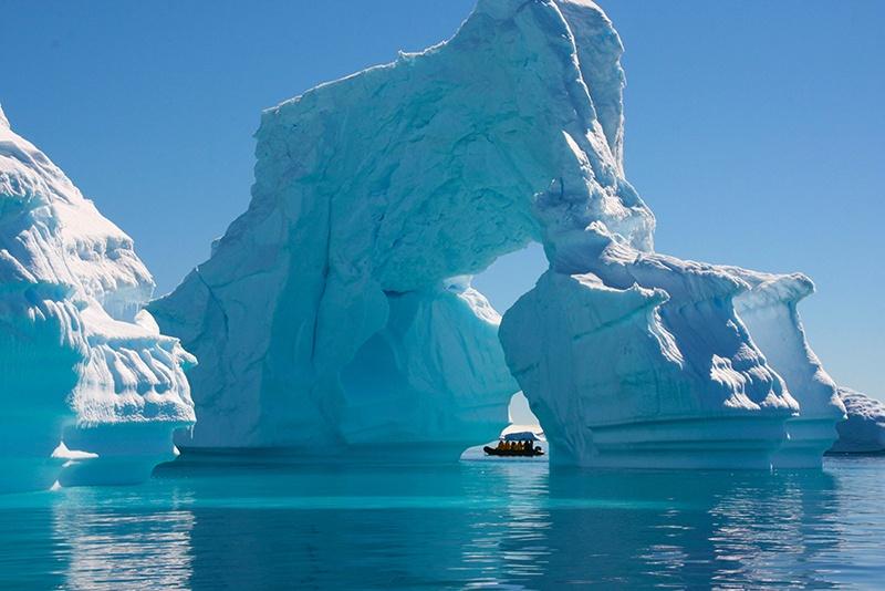 2012.Dec.AntarcticExplorer.LauraBradway_.jpg