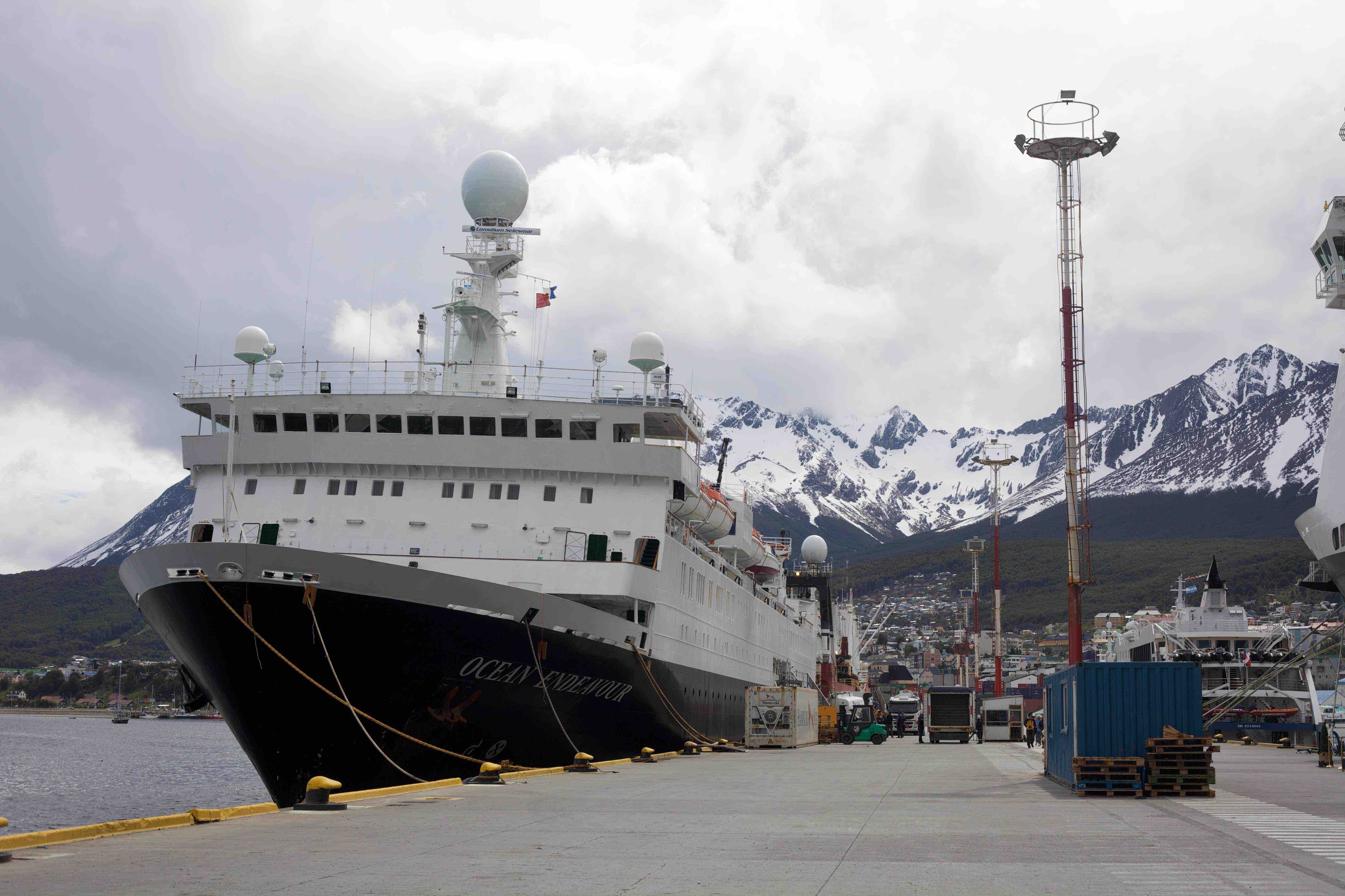 Ocean Endeavour in Ushuaia