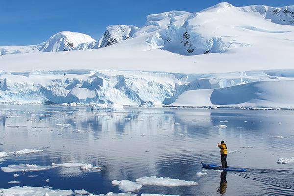 paddleboarding_antarctica