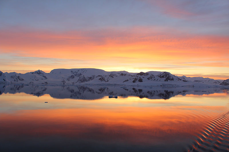 Partial eclipse in Antarctica - Photo Credit: Masato-Hiwatari