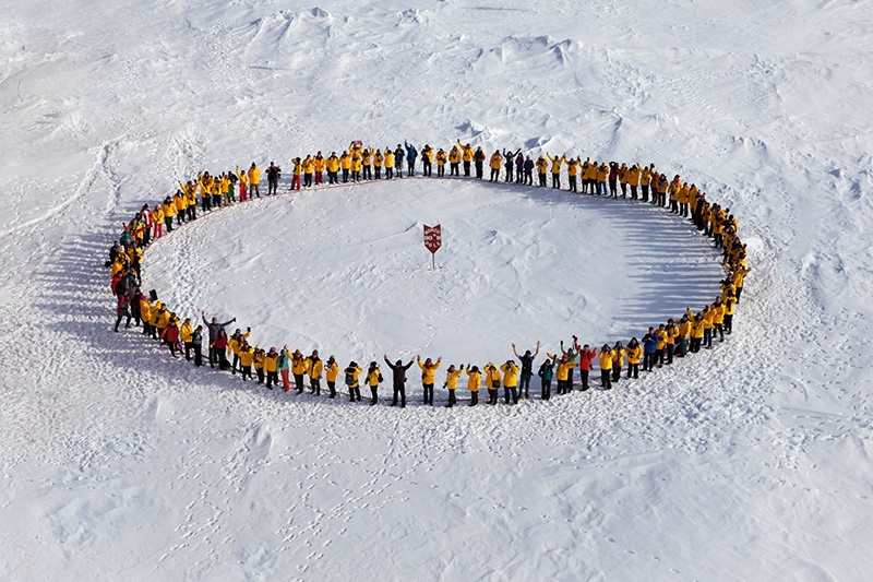 Quark Expeditions passengers at the North Pole via 50 Years of Victory - Photo credit: Samantha Crimmin