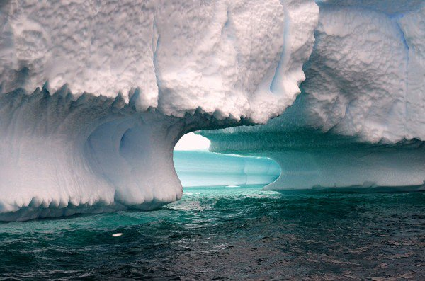 xIcePhoto.2011-12.Antarctica.PleneauBay.-600x397.jpg.pagespeed.ic.HBjMLnk0xs