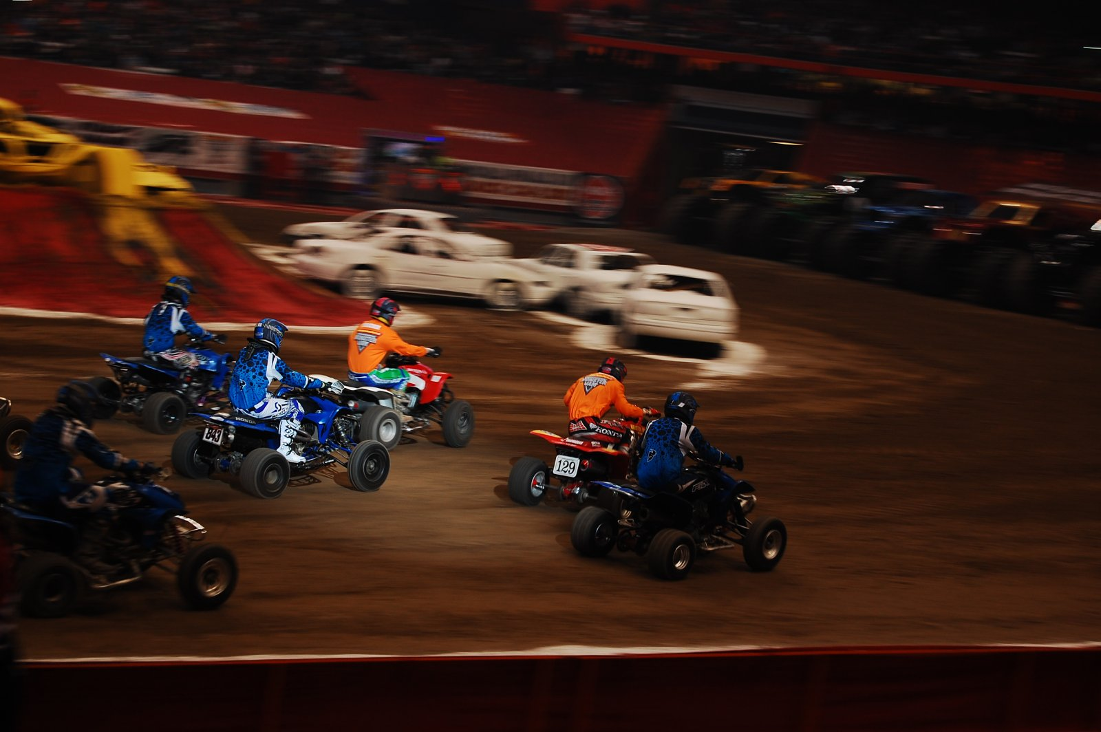Bentley Gettin Holeshot @ MonsterJam 2013
