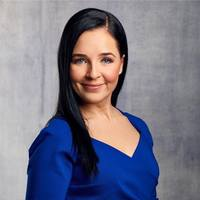 Krisztina Toth