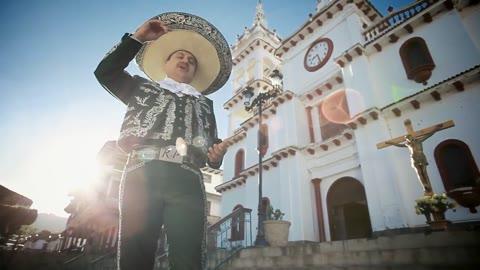 Aduanas En El Cielo - Raúl Partida - Videos de Música