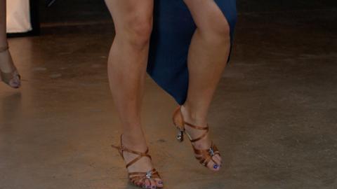 Aprende a Bailar: Bachata (Parte 2) - Paso a Paso con Lorena Kichick - Baile