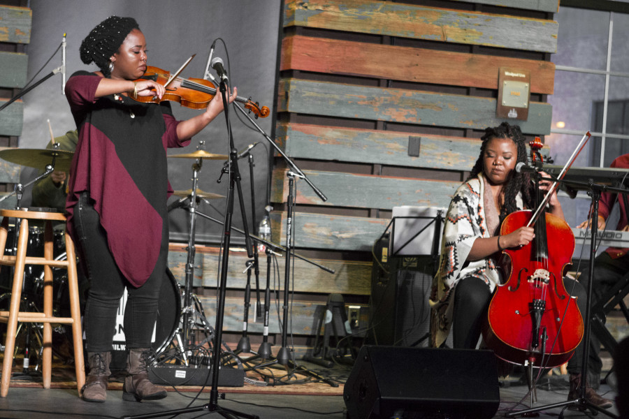 Sista Strings at 414 Music Live