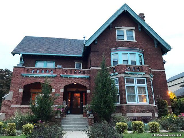 brumder-mansion-urban-spelunking_fullsize_story1