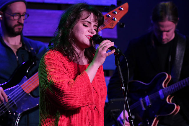 Amanda Huff performance on 414 Live