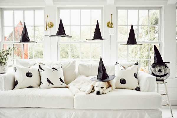 Floating Witches Hats – Neutral Halloween Decor