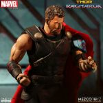 Mezco Thor Ragnarok 7