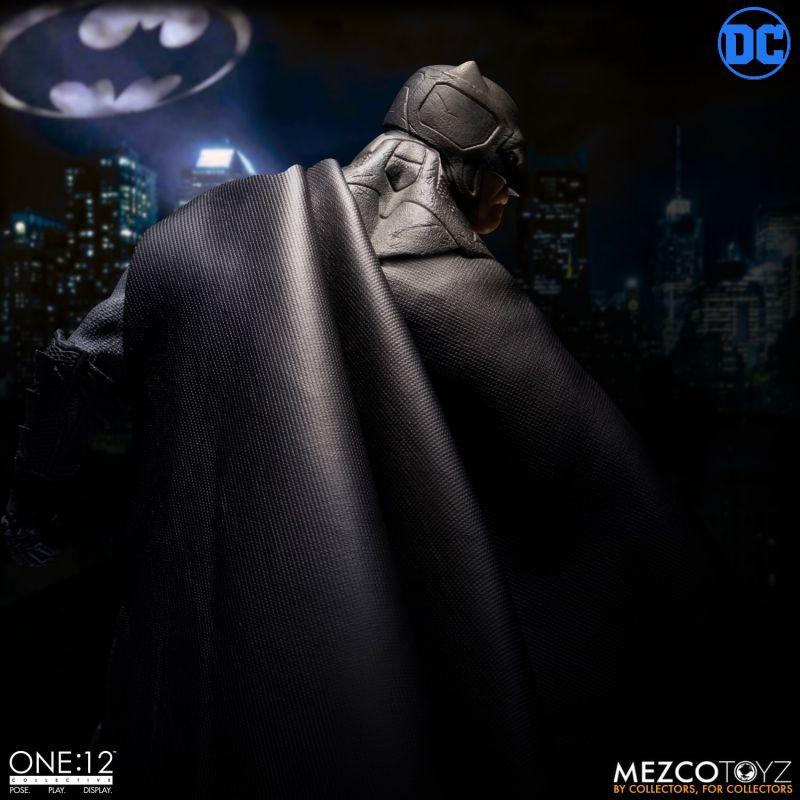 One12 Batman Supreme Knight 3