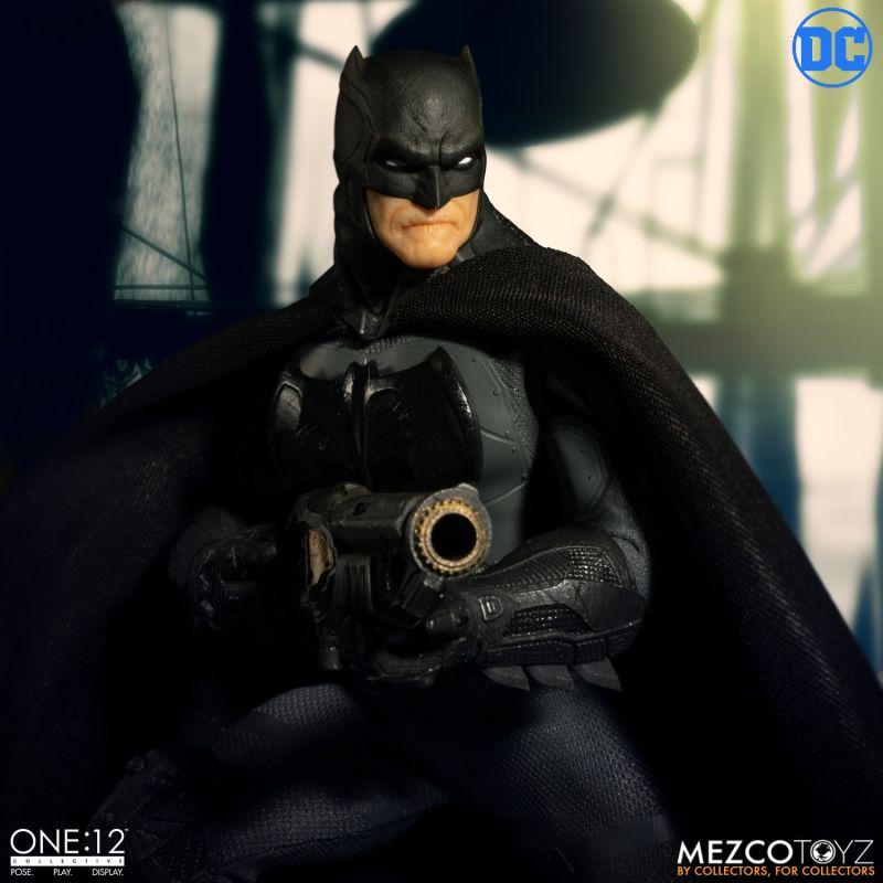 One12 Batman Supreme Knight 9