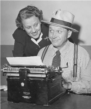Jim and Marion Jordan as Fibber McGee and Molly in 1952