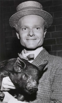 Robert Easton in a typical supporting role, circa 1952